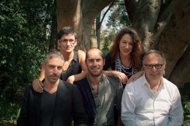Het curatorenteam Biënnale van São Paulo 2014